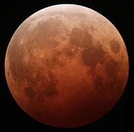 Luna Roja. Este fenómeno ocurre durante los eclipses.